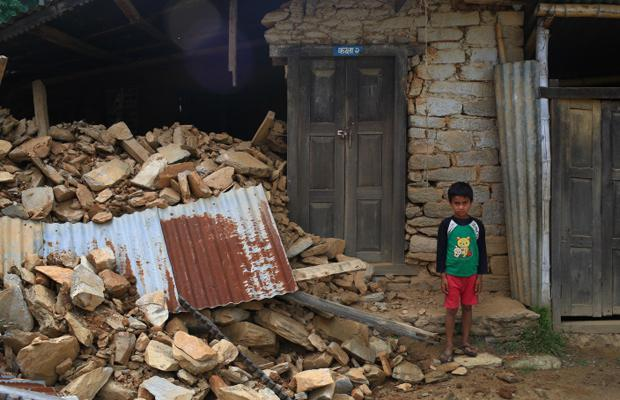 nepal earthquake child image